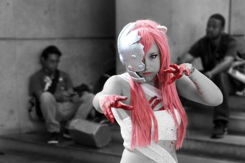 cosplayer-blood-pink-hair